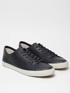 VEJA X FRENCH TROTTERS INDIGENOS LOW TOP£110.00