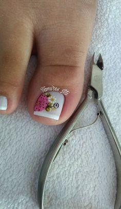 Toe Nail Art, Toe Nails, Bling Nails, Nail Clippers, Nail Art Designs, Hair Beauty, Chloe, Daisy, Flower