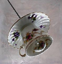 Vintage China Tea Cup and Saucer Pendant Hanging Light. Multiple for pantry. China Cups And Saucers, China Tea Cups, Vintage China, Vintage Teacups, Plafond Rose, Chandeliers, Ceiling Rose, Style Vintage, Vintage Stuff