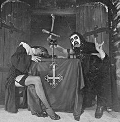 Vloktburz  MERCYFUL FATE Hard Rock, Dark Site, Mercyful Fate, King Diamond, Evil Art, Heavy Metal Bands, Music Photo, Music Guitar, Gothic Art