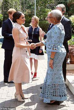 Prince Harry and Meghan Markle meet Nelson Mandela's widow Graca Machel African Wear Dresses, Latest African Fashion Dresses, African Print Fashion, Africa Fashion, African Attire, Ankara Fashion, African Prints, African Fabric, African Design