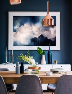 The dining room decor to have in your home refurbishment project! Get around to get your dreamy contemporary dining room! Dining Room Blue, Dining Room Walls, Dining Room Lighting, Dining Room Design, Blue And Copper Living Room, Modern Dining Rooms, Copper Dining Room, Warm Dining Room, Navy And Copper