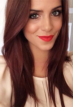 LOVE this reddish chestnut brown hair color Julia Engel (Gal Meets Glam) My next new hair color:) Hair Color And Cut, Haircut And Color, Brown Hair Colors, Brownish Red Hair, Dark Red Brown Hair, Hair Colours, Ombré Hair, New Hair, 2015 Hairstyles