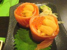 uni & ikura sushi Kinds Of Sushi, Uni, Cantaloupe, Fruit, Food, Essen, Meals, Yemek, Eten