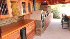 PERGOLAS Y QUINCHOS Outdoor Kitchen Grill, Backyard Kitchen, Outdoor Kitchen Design, Patio Design, Backyard Patio, Backyard Paradise, Barbacoa, Deck, Bbq Ideas
