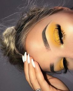 40 OF THE BEST EYESHADOW LOOKS! Yellow eyeshadow makeup looks are far and few in between! We love when people get confident and try something bold with their makeup! Click the link and checkout more inspiring makeup looks!) makeup looks Makeup Eye Looks, Cute Makeup, Gorgeous Makeup, Pretty Makeup, Skin Makeup, Cute Eyeshadow Looks, Cheap Makeup, Best Makeup, Bold Eye Makeup