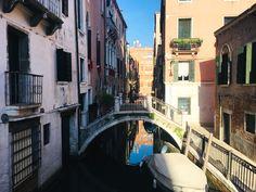 Dlaczego Wenecja została zbudowana na wodzie?  #historia #italy #venice #gondole #mosty #mostek #romantic #scenery #ulica #wenecja