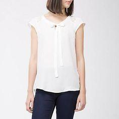 Me gustó este producto Basement Blusa Amarra al Cuello. ¡Lo quiero! Women, Fashion, Sleeveless Tops, Moda, Women's, La Mode, Fasion, Fashion Models, Trendy Fashion