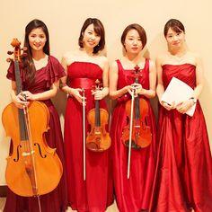 シャングリラホテルにて  赤ドレス使用率高し  #バイオリニスト #violinist #ミュージシャン #musician #チェリスト #cellist #ピアニスト #pianist #カルテット #quartetto #シャングリラホテル #バイオリン #violin #ドレス #dress by aya_tomoda