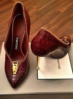 Tom Ford Marsala Snake skin shoes. Women's pumps.