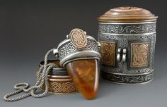 There's just something about old world celtic design that I Love.  It's mysterious and beautiful at the same time.