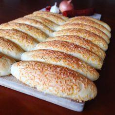 Sajtos stangli | mókuslekvár.hu Ketogenic Recipes, Diet Recipes, Vegan Recipes, Bread Storage, Keto Results, Paleo, Keto Dinner, Sandwiches, Bakery