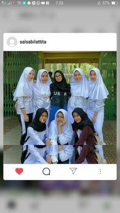Ootd Hijab, Ig Post, Squad, Rain Jacket, Windbreaker, Random, Friends, Girls, Amigos