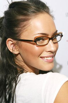 Megan Fox wears glasses for an oval face shape. Photo: Michael Bezjian, WireImage