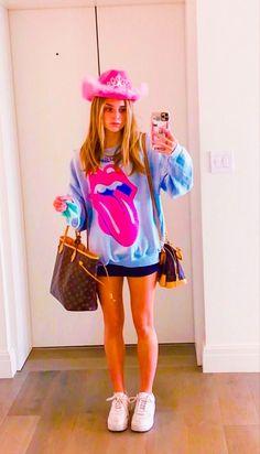 Preppy Summer Outfits, Preppy Girl, Preppy Style, Cute Casual Outfits, Preppy Ideas, Preppy Winter, Preppy Clothes, Aesthetic Clothes, Aesthetic Shoes