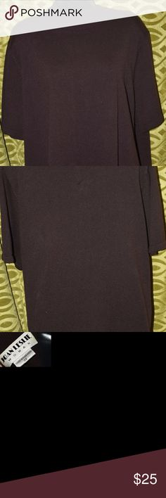 Brown Knit Top Women Plus Size 2X Joan Leslie  Brown Knit Top  Short-sleeved Collar Zips in the back Plus Size 2X Wonderful Condition. Joan Leslie Tops