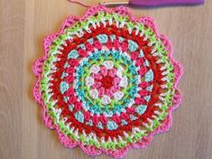 How to make a coloured doily, a photo tutorial Crochet Home, Photo Tutorial, Doilies, Outdoor Blanket, Diy Crafts, Sewing, Pattern, How To Make, Color