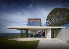 invisible House by Emma Neville and John Bohane of Peter Stutchbury Architects