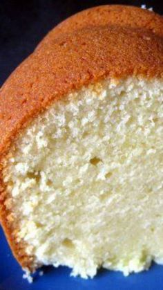 Cream Cheese Pound Cake - Cocinando con Alena