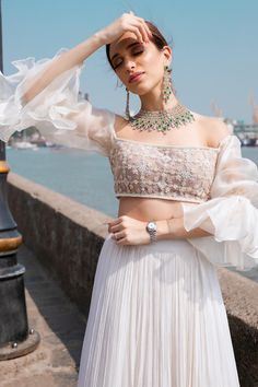 Party Wear Indian Dresses, Designer Party Wear Dresses, Indian Gowns Dresses, Indian Bridal Outfits, Dress Indian Style, Indian Fashion Dresses, Indian Designer Outfits, Indian Wedding Wear, Casual Indian Fashion