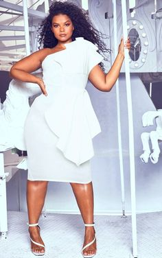 45 trendy white party outfit plus size summer All White Party Outfits, All White Outfit, White Plus Size Dresses, Plus Size Outfits, Plus Size White Outfit, Trendy Plus Size Fashion, Curvy Fashion, Fashion Fall, Curvy Model