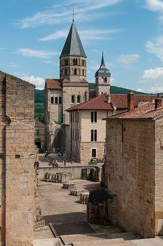 Cluny Abbey, Cluny, Saône-et-Loire, France Architecture Romane, Romanesque Architecture, Cluny France, Villa Romaine, Malta, Beaux Villages, Medieval Town, Chapelle, Provence