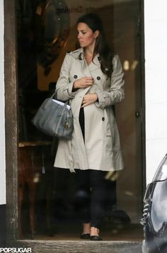 MYROYALS  FASHİON: Catherine, Duchess of Cambridge has been seen shopping in Hungerford