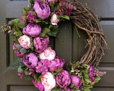 Enchanting Spring Door Wreath Ideas For Home Decoration 49 Spring Door Wreaths, Summer Wreath, Wreaths For Front Door, Front Door Decor, Easter Wreaths, Front Doors, Holiday Wreaths, Yarn Wreaths, Floral Wreaths