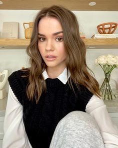 maia mitchell 2021 - Google Search Maia Mitchell Boyfriend, Maia Mitchell Hair, Teen Beach, Style Outfits, Bra Cup Sizes, The Most Beautiful Girl, Estilo Retro, Celebrity Hairstyles, Color Negra