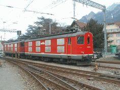 Mittelthurgaubahn: MThB Lok Re 4/4 I im März 2001 in Chur Chur, Swiss Railways, Bahn, Locomotive, Locs, Photo Illustration, Dreads, Sisterlocks, Cornrow
