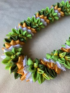 Ribbon Lei (Designed by Tracy Harada) U'imauamau公認インストラクター  レッスン、キット販売しています Ribbon Lei, Succulents, Succulent Plants