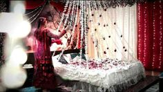 Latest Wedding Couple Room Decorations /Cool Ideas Our team just collect the best collection for fashion lovers but we appreciate the talent of owner's video. Marriage First Night, After Marriage, Wedding Couples, Wedding Bride, Wedding Ideas, Wedding Night Room Decorations, Wedding Bedroom, Couple Room, Bengali Wedding
