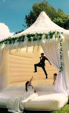 We Have 3 Words For You: Wedding Bouncy Castles! We Have 3 Words For You: Wedding Bouncy Castles!,Wedding Inspiration Wedding Bouncy Castles Are Now a Thing You Can Rent, and Oh My GOSH wedding decorations wedding wedding table decorations wedding Cute Wedding Ideas, Wedding Goals, Wedding Themes, Perfect Wedding, Wedding Inspiration, Wedding Cakes, Mexican Wedding Decorations, Mexican Wedding Traditions, Unique Wedding Food