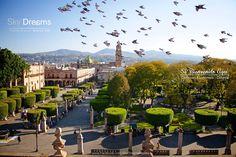 Deja volar tu imaginación...  Excelente propuesta de Sky Dreams #Morelia #Michoacán Buen provecho!  #SéBienvenidoAquí
