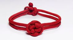 """How You Can Make A Chinese Button Knot Paracord Bracelet"""