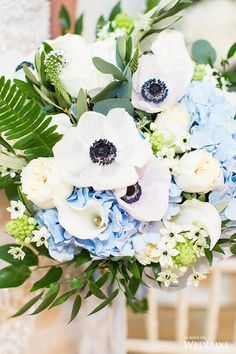 WedLuxe – Porcelain Blue | Photography: Denise Lin Photography Follow @WedLuxe for more wedding inspiration!