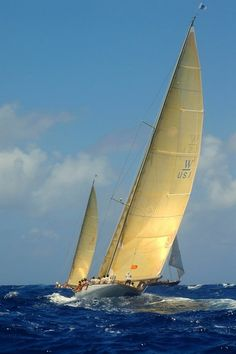 love this shot--- wish I was sailing right now!