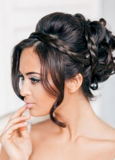 Wedding hairstyles for curly hair. Wedding hairstyles for long hair. Wedding hairstyles for small hair. New Bridal Hairstyle, Wedding Hairstyles For Long Hair, Wedding Hair And Makeup, Hair Makeup, Wedding Updo, Evening Hairstyles, Bridal Braids, Lily Wedding, Bridal Makeup