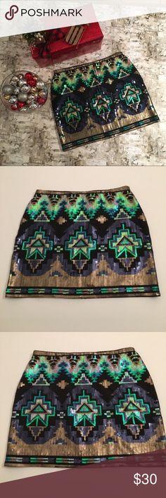 Aún las exuberantes se ven bien con minifalda.   MINIFALDAS ...