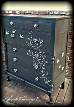 The Shabby Chic décor style popularized by Rachel Ashwell and Arhaus seeks to have an opulent vintage look. Shabby Chic furniture is given a distressed look by covered in sanded milk paint. Refurbished Furniture, Repurposed Furniture, Shabby Chic Furniture, Rustic Furniture, Furniture Makeover, Painted Furniture, Antique Furniture, Bedroom Furniture, Furniture Stencil