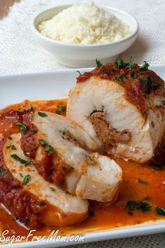 This easy recipe for low-carb pizza stuffed chicken breasts takes only 20 minutes to prep and makes a juicy mouth watering meal that everyone loved! Low Carb Chicken Recipes, Pork Recipes, Low Carb Recipes, Cooking Recipes, Healthy Recipes, Healthy Options, Apple Recipes, Healthy Chicken, Healthy Tips