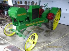 Waterloo Boy restored and in running condition. A Toursgallery photo