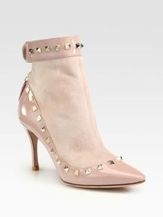 Valentino 'rockstud' Spiky Nude Ankle 37.5 $1195 Nude Beige Boots. Get the must-have boots of this season! These Valentino 'rockstud' Spiky Nude Ankle 37.5 $1195 Nude Beige Boots are a top 10 member favorite on Tradesy. Save on yours before they're sold out!