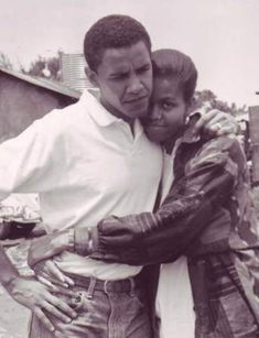 Barack Obama proposed to Sheila Jager before he ever met Michelle. A new book claims that race played a role in why it didn't work out. Bedroom Wall Collage, Photo Wall Collage, Picture Wall, Michelle Et Barack Obama, Michelle Obama Photos, Obama Portrait, Romance Film, Toni Braxton, Black Couples