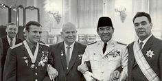 Kosmonot Uni Soviet Yuri Gagarin, Nikita Khruchev, Ir. Soekarno And Leonid Brezhnev at Kremlin (Moscow, Juni 1961)