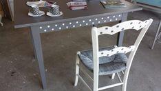 Peindre le rotin, l'osier ou la paille d'une chaise - Eleonore Déco Isabelle, Corner Desk, Palette, Furniture, Home Decor, Chairs, Rattan Basket, Furniture Makeover, Corner Table