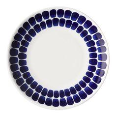 Valkoinen/sininen Arabia 24 h Tuokio -lautanen 26 cm House Doctor, Villeroy, Blue Plates, Dinnerware Sets, White Dinnerware, Blue Accents, Wood Accents, Salad Plates, Place Settings