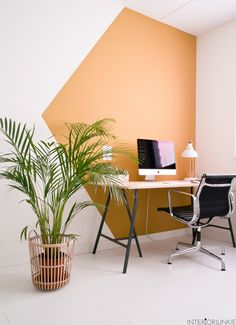 Fresh & Off Beat Home Office Design Ideas that's going to allow you to work from home in a stylish way. Inspire yourself with these modern Home Office decor Deco Design, Wall Design, House Design, Home Office Space, Home Office Decor, Home Decor, Office Ideas, Home Office Paint Ideas, Office Setup
