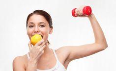 A alimentação adequada antes de começar o treino é muito importante, para proporcionar melhor rendimento durante as atividades e para evitar a perda de massa muscular. Além de evitar a fadiga e a hipoglicemia.