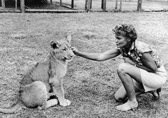 Elsa with Joy Adamson.